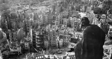 Moving Images of Dresden, Germany Before and After Allied Bombs Annihilated the Historic City