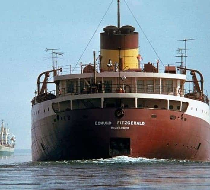 22 Photographs Cataloging the Edmund Fitzgerald Disaster and the Dives to Rediscover the Wreckage