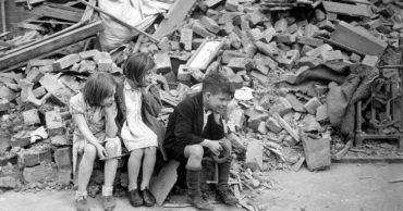 20 Photographs Depicting British Children During the Blitz of World War II