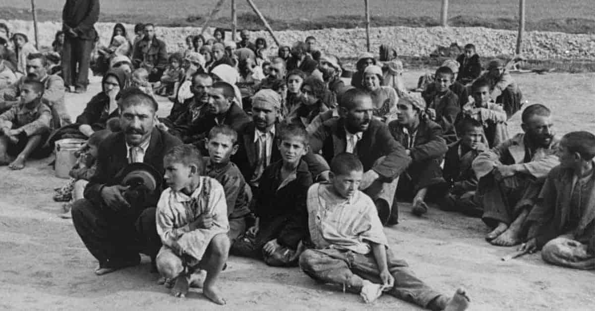 32 Photographs of Porajmos, the World War II Romani Gypsy Genocide