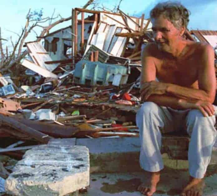 31 Images of the Hurricane Andrew Destruction