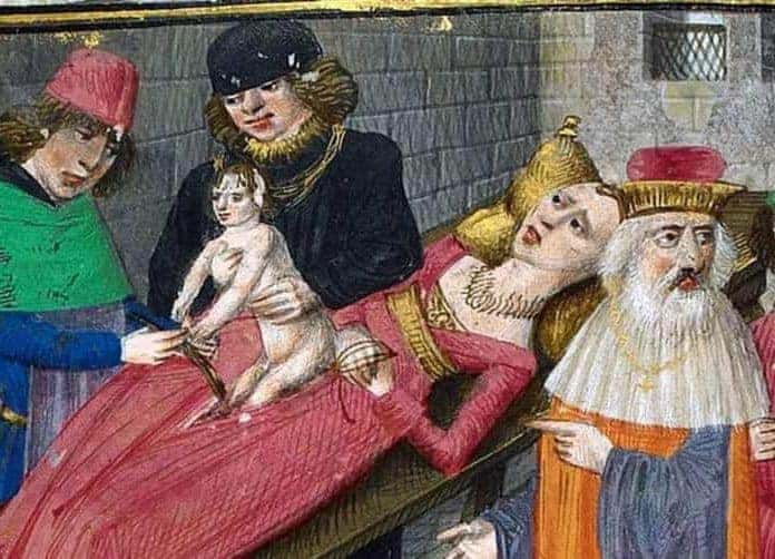10 of the Strangest Rules and Rituals for Royal Births Over the Centuries
