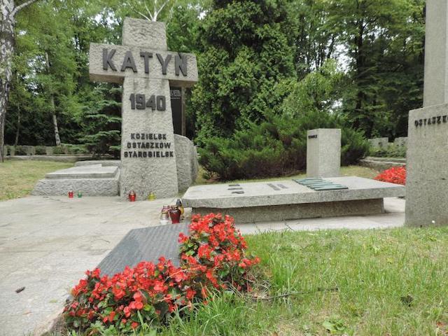 Nazis Stumble Upon Mysterious Mass Murder Site